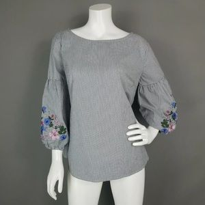 LIZ CLAIBORNE PEASANT BLOUSE EMBROIDERED SLEEVES